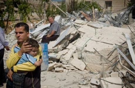 Home demolition in Beit Hanina